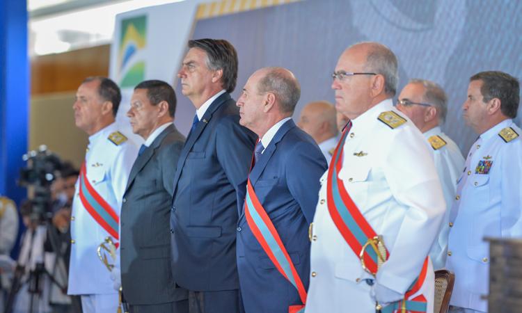 Almirante Ilques Barbosa é o novo comandante da Marinha