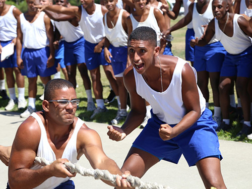 Centro de Instrução Almirante Milcíades Portela Alves promove competição esportiva entre soldados recém-formados