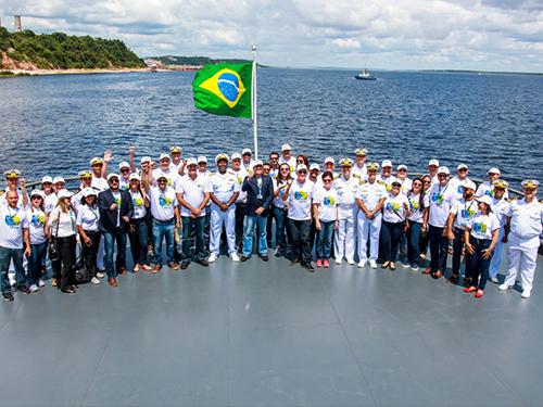 Marinha do Brasil e CAIXA firmam parceria para ampliar atendimento à população ribeirinha