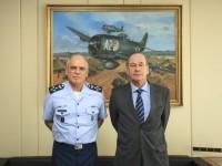 Ministro da Defesa visita