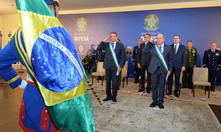 Racionalização dos recursos e reestruturação da carreira das Armas serão prioridades da gestão do ministro Fernando Azevedo