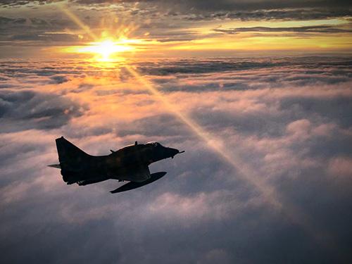 1° Esquadrão de Aviões de Interceptação e Ataque realiza ataque a alvos terrestres na fronteira do Brasil com a Bolívia