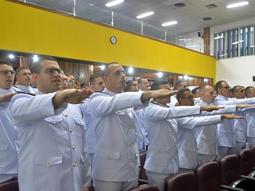 CIAW forma 85 Guardas-Marinha da Reserva de 2a Classe de Médicos da Marinha do Brasil