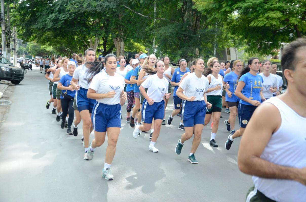 Participação de pelotão feminino na 14ª Corrida da Paz em São Paulo destaca presença da mulher na Força