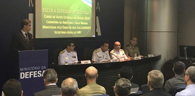 Curso de Altos Estudos em Defesa inicia ano letivo em Brasília