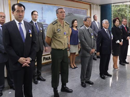 Cônsul-Geral do Japão é agraciado com a Medalha Amigo da Marinha