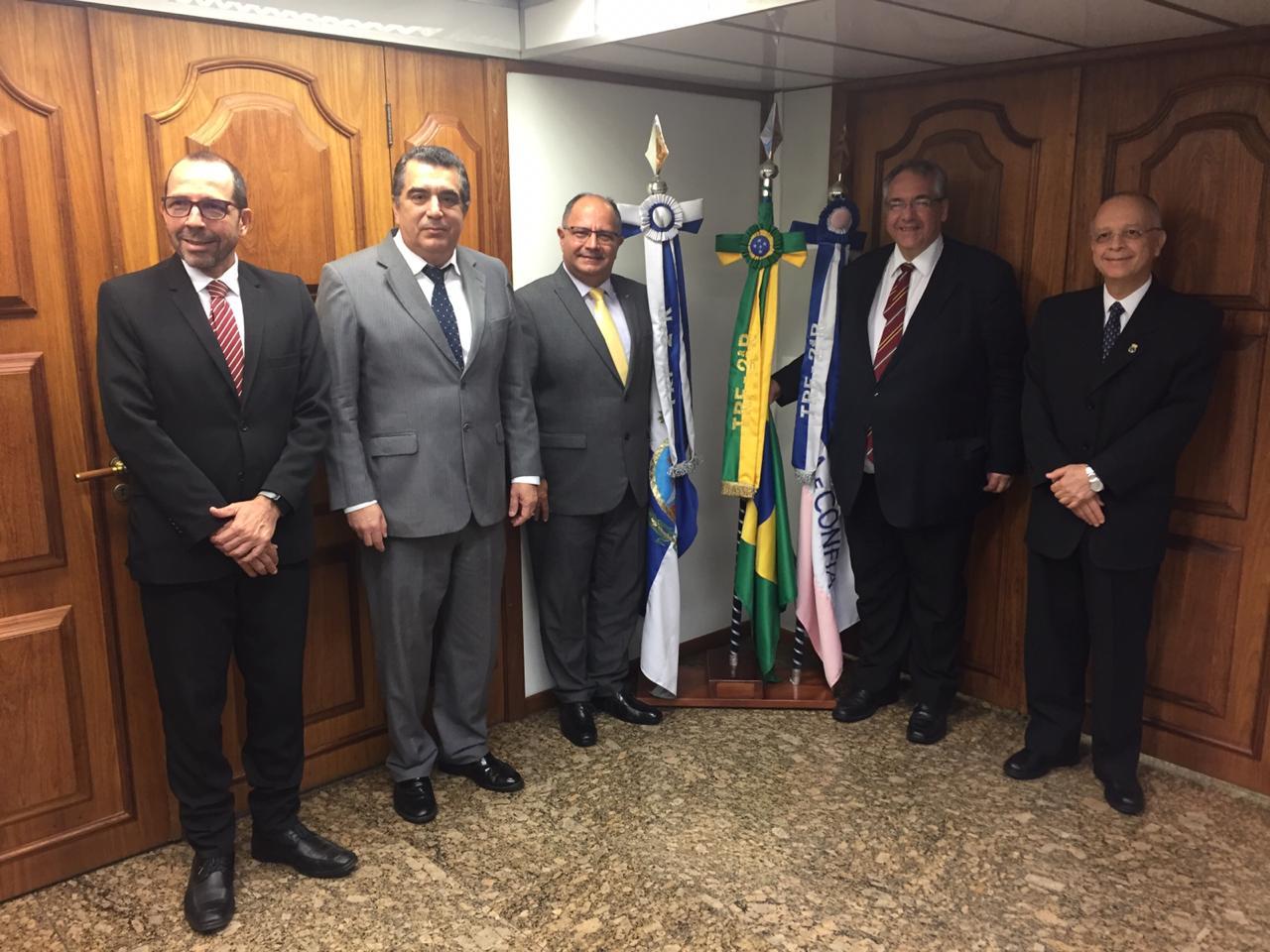 TM e PEM visitam Tribunal Regional Federal da 2ª Região (TRF2) para ampliar interação entre os Tribunais
