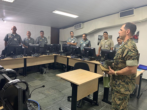 Curso de Imersão em Idiomas promove aulas com oficiais de outras Forças para a prática da Língua Inglesa