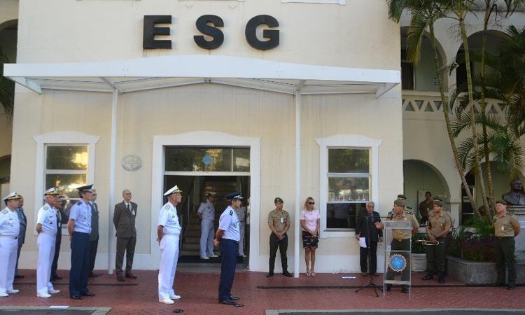 Data magna da Força Terrestre é comemorada na ESG