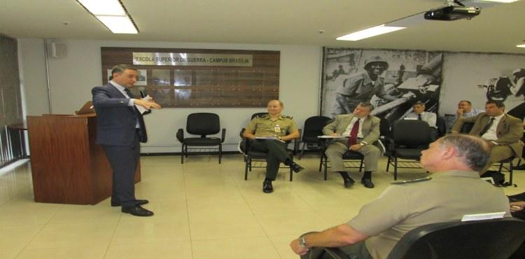 ESG debate Imagem e Estratégia com King's College no Campus Brasília