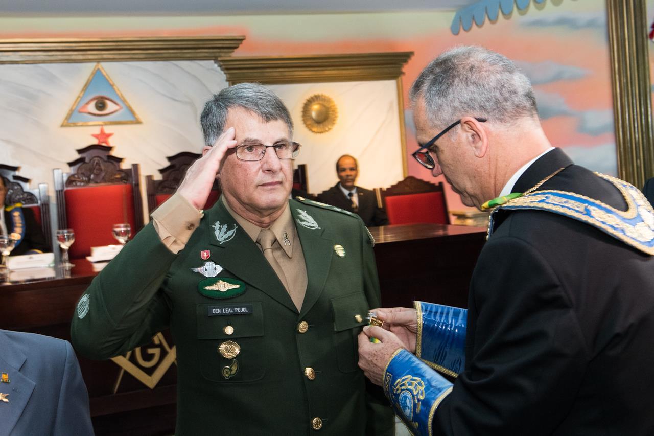 Integrantes do Exército Brasileiro são agraciados com medalha, homenagem da maçonaria do Distrito Federal