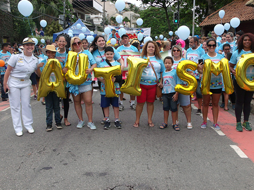 Marinha participa da Caminhada pela Conscientização do Autismo na Ilha do Governador