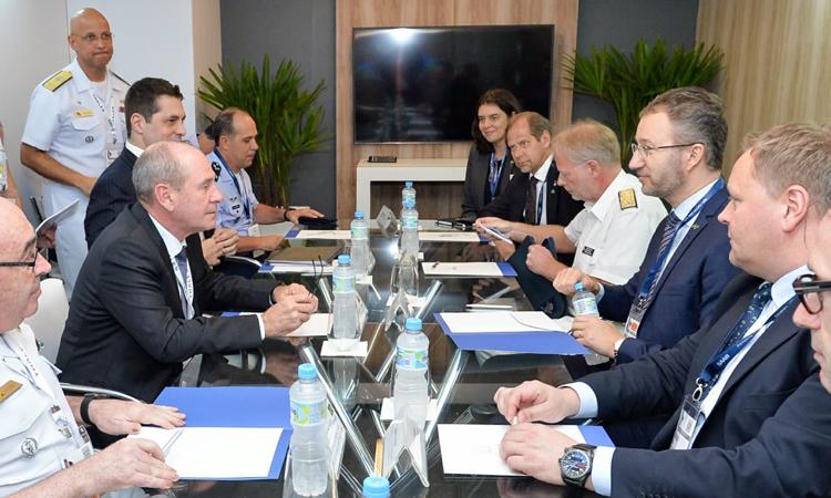 Ministro da Defesa promove reuniões bilaterais durante a 12ª edição da LAAD