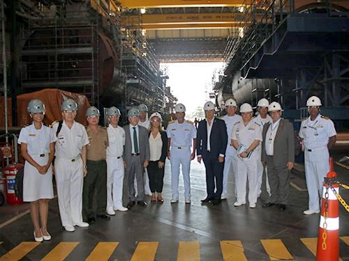 Ministro de Estado da Defesa da Argentina e comitiva visitam o Complexo Naval de Itaguaí