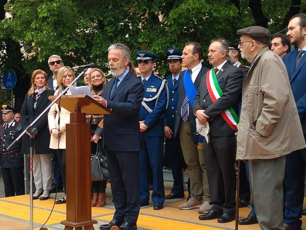 Piloto da Força Aérea Brasileira morto durante a Segunda Guerra é homenageado na Itália