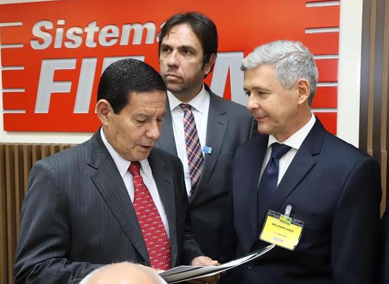 PanAmazônia homenageia Gen Hamilton Mourão e outras personalidades e empresas amazônicas