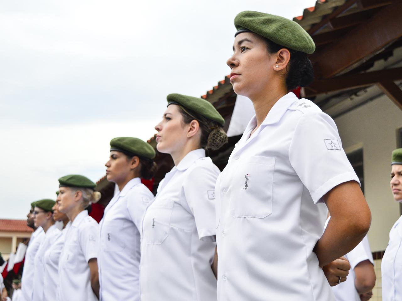 Serviço de Saúde do Exército comemora seu dia com pessoal da reserva, torneio esportivo e exposição