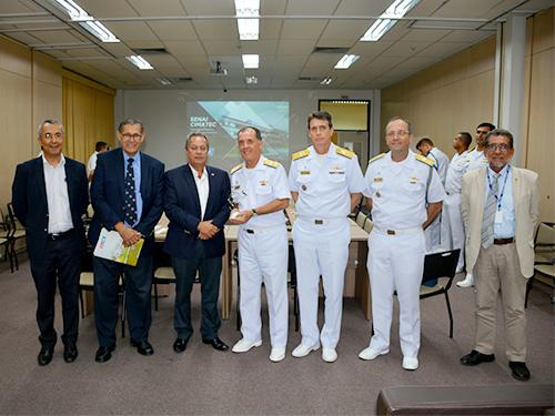 Comandante da Marinha visita o Senai-Cimatec em Salvador-BA