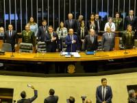 Deputados federais homenageiam Comando