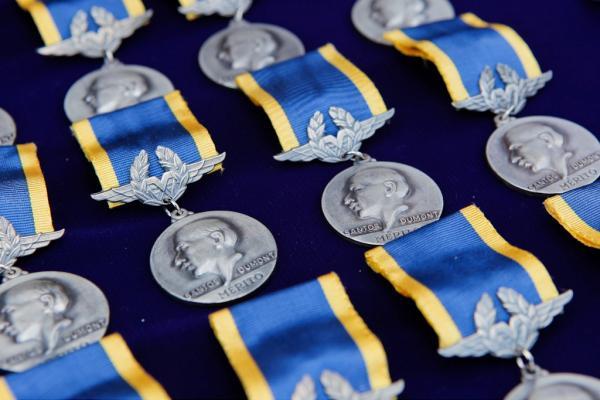Saiba mais sobre a Medalha Mérito Santos-Dumont