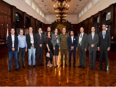 Autoridades dos Poderes Legislativo e Judiciário visitam a AMAN