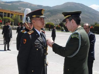 Entrega de Medalha Marechal Hermes realizada pela Aditância do Exército na República do Equador