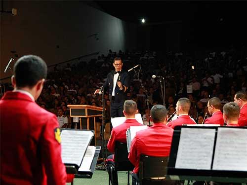 Banda Sinfônica do Corpo de Fuzileiros Navais realiza apresentação em Brasília-DF