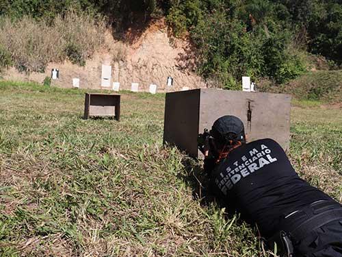 Base de Fuzileiros Navais da Ilha do Governador sedia treinamento da Polícia Federal