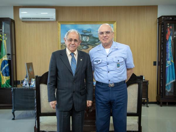 Comandante da Aeronáutica recebe Secretário de Assuntos Estratégicos da Presidência