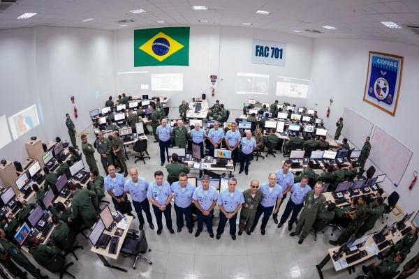 Comandante da Aeronáutica visita as instalações do Exercício COMAEX