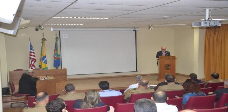 ESG sedia Curso Governança em Defesa em parceria com Perry Center