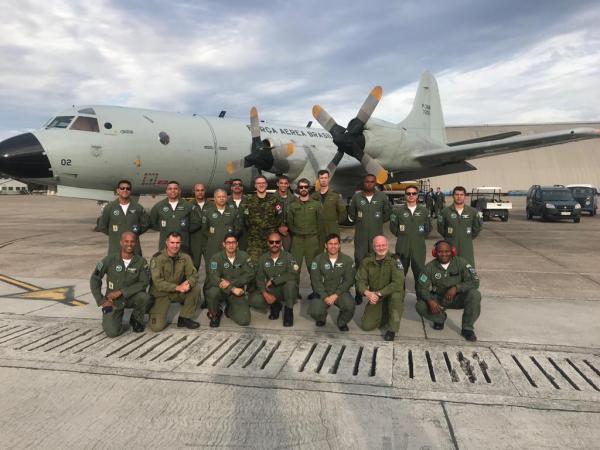 Esquadrão Orungan recebe militares da Força Aérea Canadense