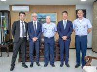 representantes da empresa Airbus