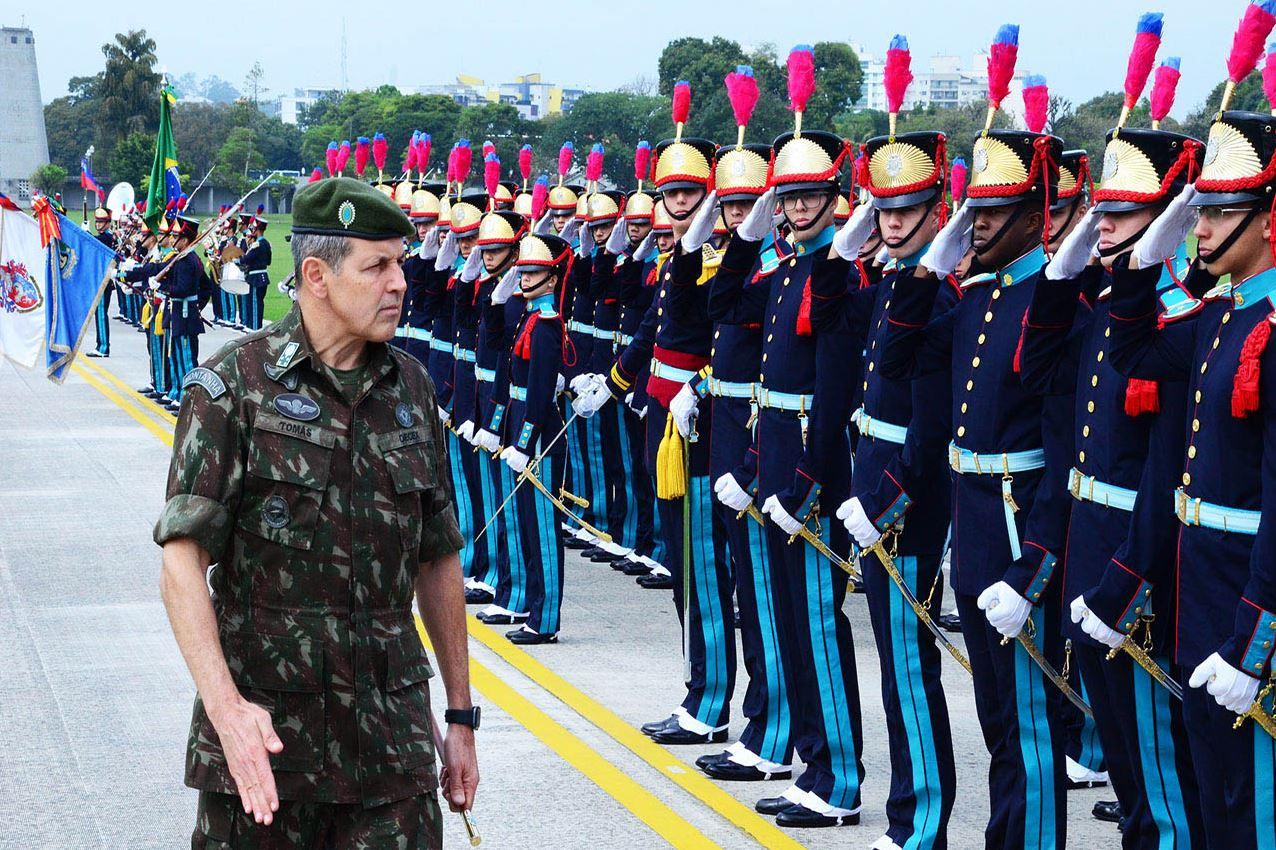 Primeira visita oficial à Academia Militar das Agulhas Negras