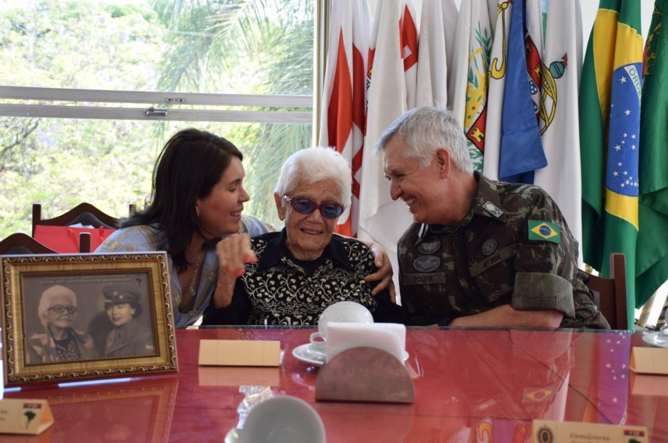 4ª Região Militar celebra os 105 anos da Tenente Carlota Mello, veterana da Força Expedicionária Brasileira