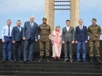 COMITIVA DO CONSULADO RUSSO VISITA O MONUMENTO NACIONAL AOS MORTOS DA SEGUNDA GUERRA MUNDIAL
