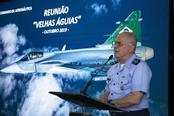 Comandante da Aeronáutica realiza palestra para Velhas Águias de Brasília (DF)