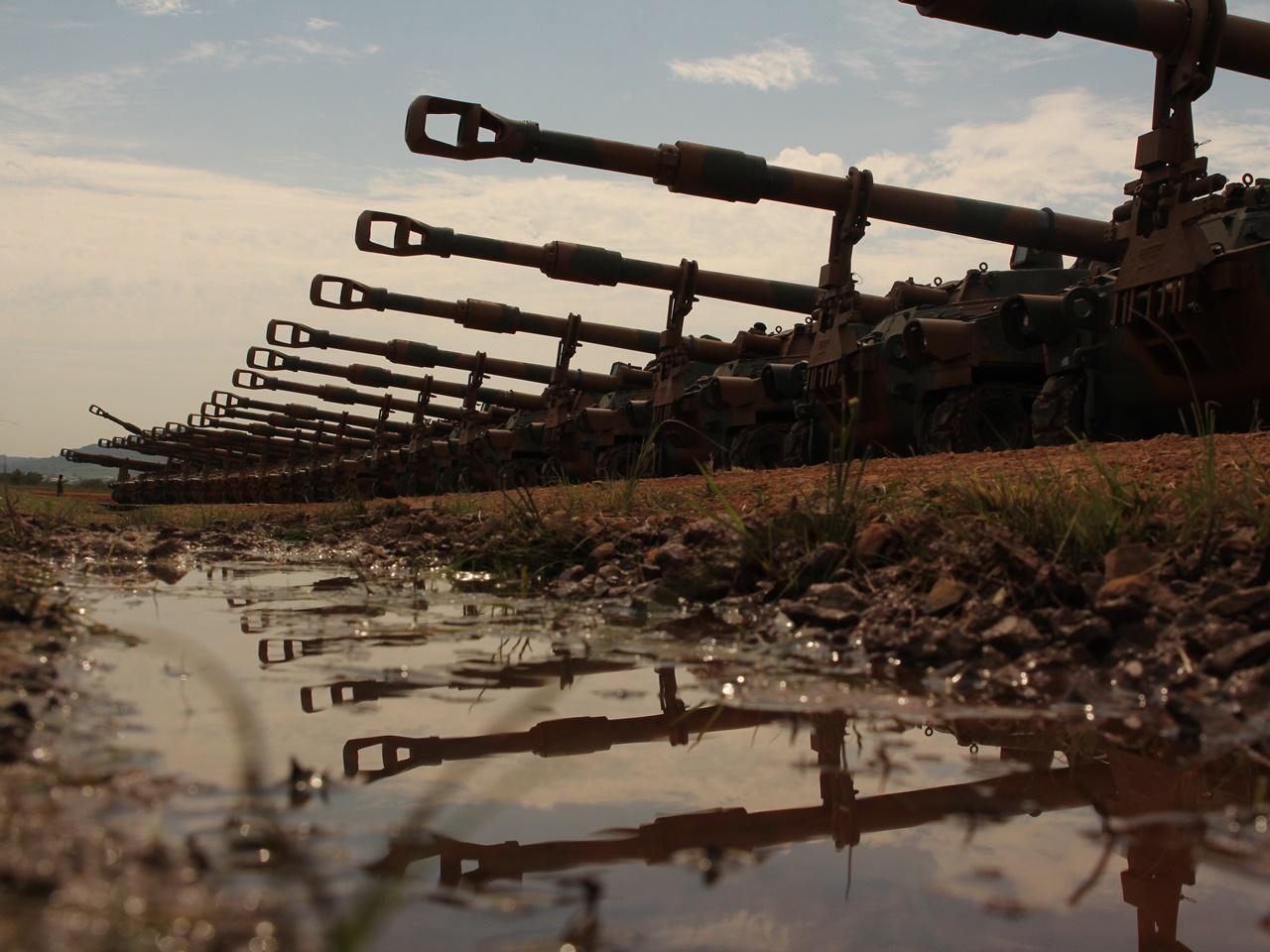 Blindados de Artilharia adquiridos dos Estados Unidos são apresentados no Rio Grande do Sul