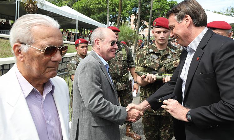 Brigada de Infantaria Paraquedista comemora 74º aniversário e jubileus de ouro e de prata