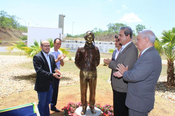 CIAAR inaugura monumento em homenagem ao Major-Brigadeiro Doorgal Borges