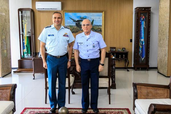 Comandante da Aeronáutica recebe Vice-Comandante da Real Força Aérea Canadense