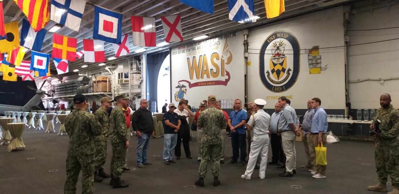 Visita das Associações de Veteranos e Amigos ao USS WASP