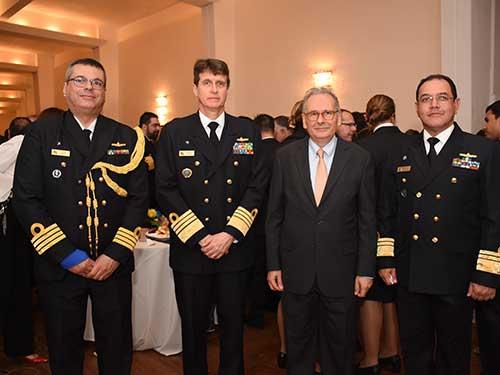 Marinha participa de comemorações alusivas aos 202 anos da Armada Uruguaia