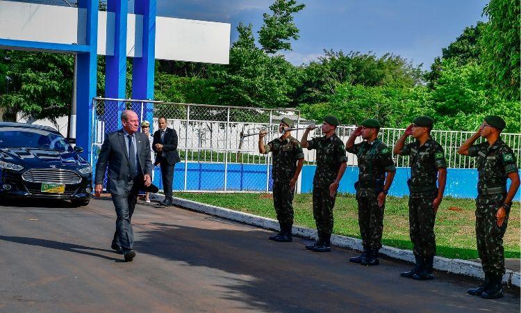 Ministro Fernando Azevedo visita o 7ºCTA e prestigia a 2ª fase da Operação Meridiano