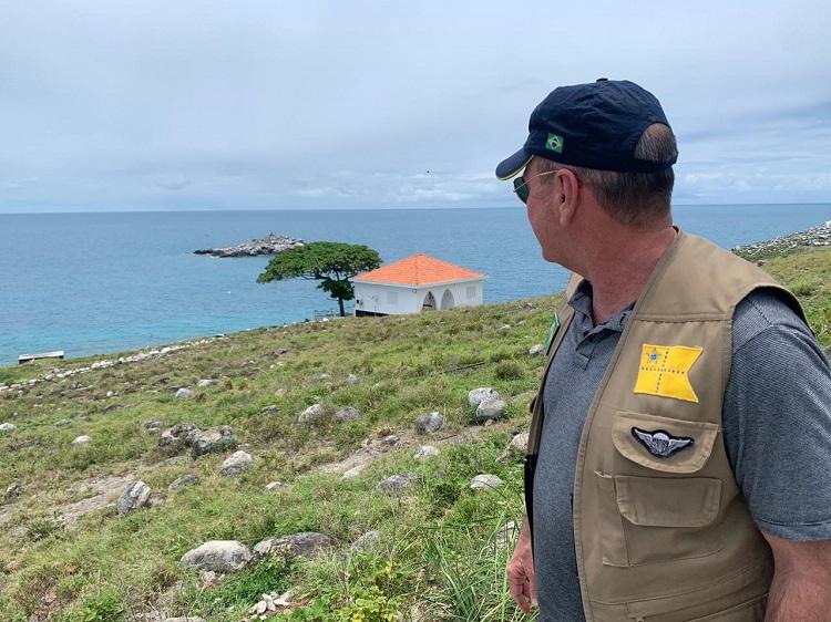 Ministro da Defesa visita Abrolhos e destaca união entre os órgãos federais, estaduais e municipais da região
