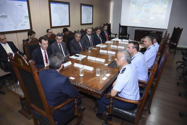 Comissão de Aeroportos da Região Amazônica se reúne com Ministro da Infraestrutura