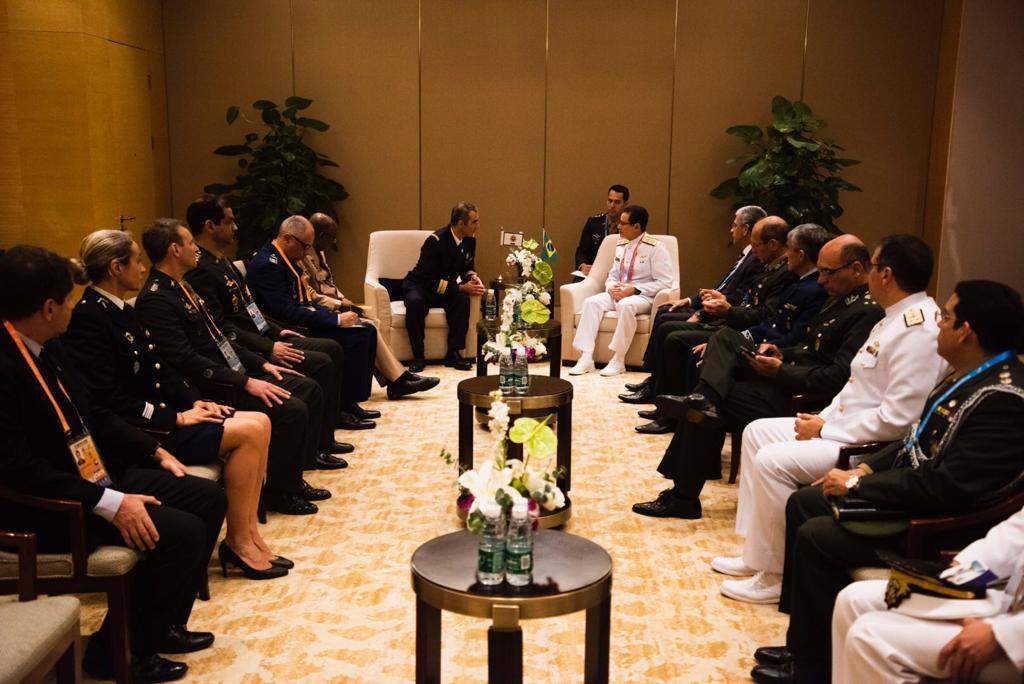 Secretário-Geral do Ministério da Defesa participa de reunião com o Presidente do Conselho Internacional do Desporto Militar