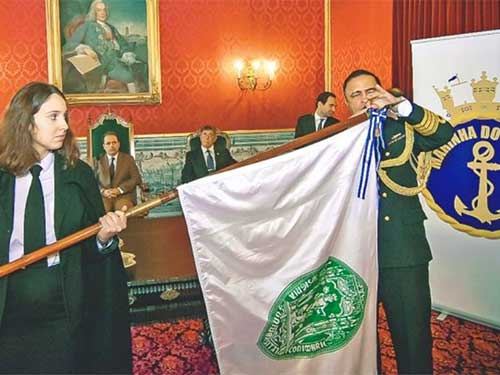 """Universidade de Coimbra é condecorada com a Medalha """"Amigo da Marinha"""""""