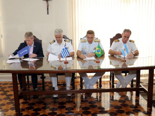 Arsenal de Marinha do Rio de Janeiro sedia XV Reunião de Operadores de Turbinas Rolls-Royce da América do Sul
