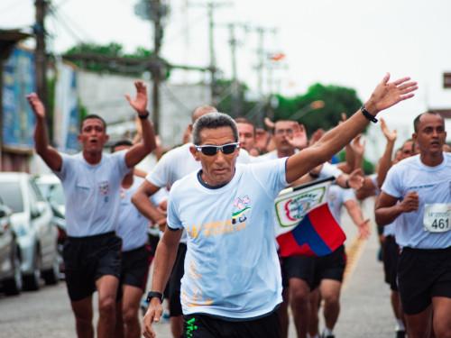 Atletas civis e militares participam da 14ª Corrida do Marinheiro em Belém-PA